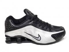 Nike Shox R4 Black/Silver B66