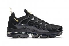 Nike Air VaporMax Plus Black/Gold 5951