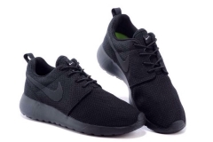 Nike Roshe Run all black