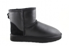 UGG Classic Mini Black Leather (с мехом)